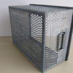 Lochkisten-Schäfer-Stapeltransportkästen-verzink-gebraucht-12mm-Lochung-Foto4