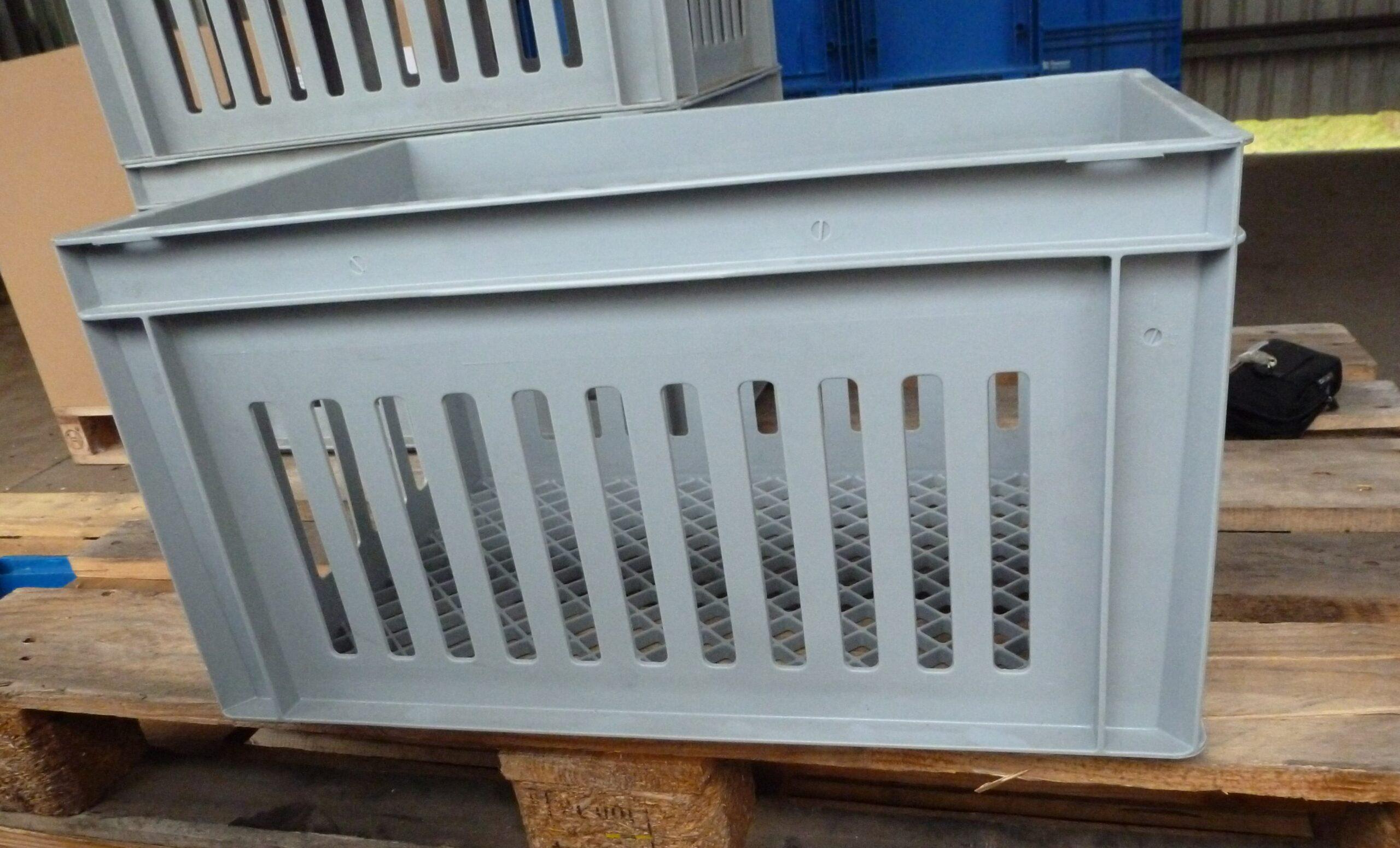 Sonderposten Euronormbehälter 60×40, grau, gelocht an den Seiten und mit Gitterboden